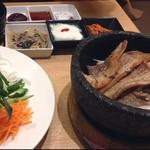 スンドゥブ&石焼ビビンバ Red Pit - サムギョプサル食べ放題2000円
