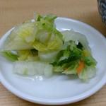 とんかつ山家 上野店 - 山家 上野店 定食に付く白菜の漬物