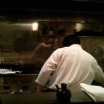 料理屋壱 - 調理を懸命にこなす、若きご主人!