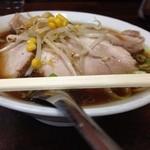 メルシー - 2013年12月初旬、再訪時。チャーシュー麺、麺固め、大盛、濃口。