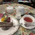 グロヴナーカフェ - ケーキセット:900円(2013.11月)