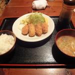 中村橋の漁師のあぶり家 - 牡蠣フライ定食880円