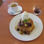 不二家レストラン - イタリア栗とオレンジ芋のホットケーキ