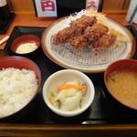 とんかつ伊勢 - 牡蠣フライ定食