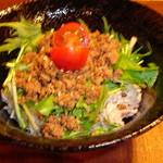 珈屋Lamp - ミニそぼろ丼(当麻・養生農園の放牧豚)