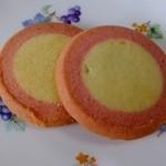 ステラおばさんのクッキー - ミルク苺:ピンク色の円形がかわいい色合い