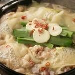 """やきとん くう - ◆くう名物・もつ鍋◆大盛りの""""もつ鍋""""は何と980円!!こだわりのスープに鮮度抜群のもつを使用…自信の一品です!"""