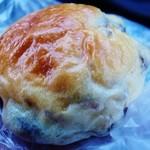 コネルベーカリー - 豆パン(黒豆)