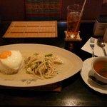 タイ料理レストラン Tha Chang - 鶏肉のグリーンカレー