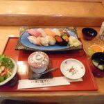 浜寿し - 料理写真:特選にぎり