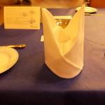 レストラン ストックホルム - テーブルはこんな具合