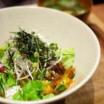 kawara CAFE&KITCHEN - 漬けマグロとアボカドのヘルシーボウル