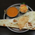ヒマラヤインドレストラン - インド料理と謳っているネパール料理
