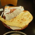 ヒマラヤインドレストラン - ナンのお替り