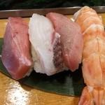魚がし寿司 - 特上寿司の一部 ①