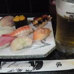 満海寿司 -  「満海握り」といって出てきたモノ。たぶん1,000円。生ビール(プレミアムモルツ)は500円。