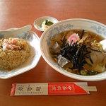 中華料理 翔竜亭 - 冷たいラーメンとチャーハンのセット