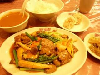 獅門酒楼 - 牛肉と野菜のオイスター炒め