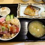 寿しの いく味 - ミニバラちらし丼 + 鯖塩焼 1100円