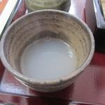 手打蕎麦かとう - かなり白濁した蕎麦湯
