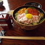 22994083 - 「三色スペシャル丼」 3,675円