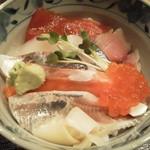 すし屋の勘兵衛 - 海鮮丼 950円