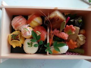 懐石料理 青山 そごう横浜店 - 手鞠鮨とお惣菜