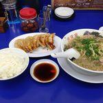 来来亭 - 料理写真:ギョーザ定食880円
