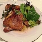 RESTAURANT BAR CHESS - 骨付き鶏のディアブル風