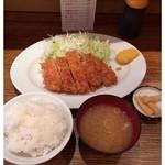 富士喜 - 特製厚切りロースカツ定食 1000円 2013.12