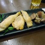 気ママーニ - 「鶏」と「砂肝」各150円也。