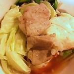和牛 涼 - もつ鍋(豆腐・こてっちゃん、ニラ、もやし、キャベツ、豚肉・・)