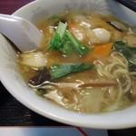 中国料理興安楼 - 【2013年12月】「五目そば+炒飯(小)」850円也。
