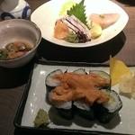 23011531 - こぼれうに寿司とかんぱち刺身となまこ