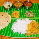 南インドの味 カレーリーフ - カレーリーフの「マドラス・ミールス」¥1980(要予約2名様〜)