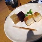 豆子郎 - 珈琲セットのお菓子:夏蜜柑風味が爽やかな西京花とういろうでは無く羊羹の羹郎