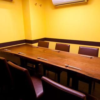 人気の個室席は8名様までご利用可能です。ぜひご来店くださいませ。