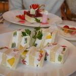 タカノフルーツパーラー - 2013.12 フルーツサンドイッチ
