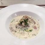 ビストロ ダイア - 牡蠣と白菜のスープ