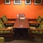 essence dining - 2階、喫煙ソファー席