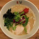 ななつき - 鶏白湯のアップ