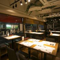 MEAT HOUSE YOKOHAMA MarS - 店内風景