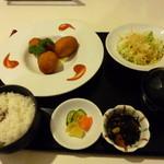 ごはんや 晴丘亭 - ずわい蟹のクリームコロッケ + 定食セット (¥1,102 + ¥283)