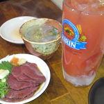 23020539 - トマトチューハイ(300円)、和牛特上ハツ刺(380円)に5円の鶏スープ
