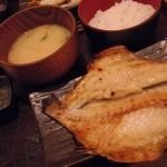 越後屋 三太夫 - つぼ鯛開き1匹定食