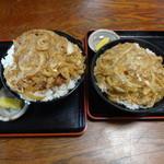 わか宮食堂 - カツ丼大盛りと普通