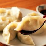 山東厨房 - 自家製の皮もおいしい『特製手作り水餃子』