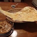 ジョティ - お気に入りの「マトンカレー」+「ガーリックナン」