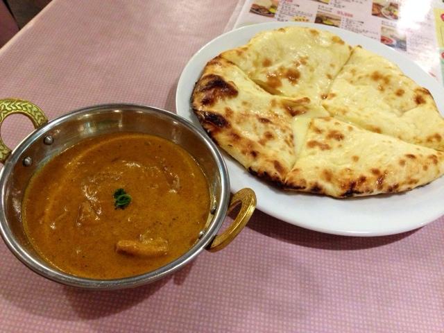 インドレストラン ガンジス キューズタウン店 - チキンカレー&チーズナン