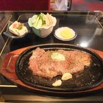 もんどおーる - 料理写真:ステーキ
